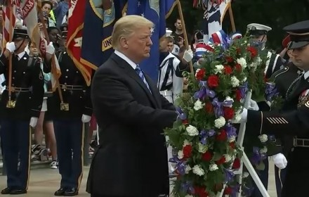 presidenttrumpatwreathlaying