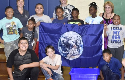 Students and staff at Bellevue Elementary